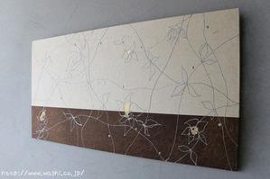 漆・白地和紙の花柄デザインアートパネル