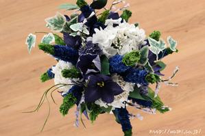 結婚記念日・紙婚式のプレゼント。ベロニカとアイビーの和紙の花束(ペーパーフラワーブーケ)真上