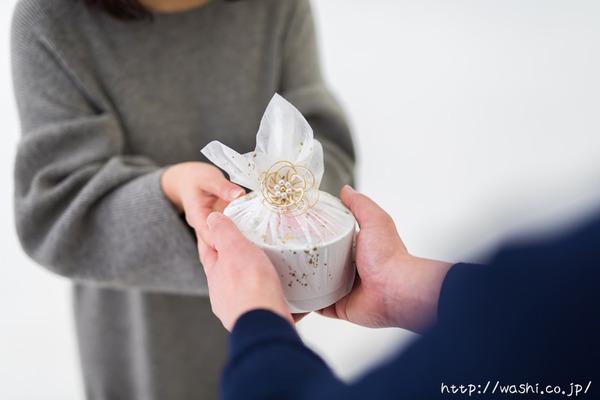 最愛の人に贈る和紙の花−ミニバラのボックスフラワー (3)