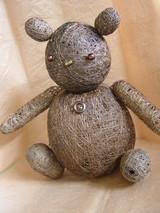 紙糸で制作した熊