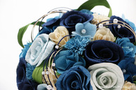 和紙の花(結婚1周年の紙婚式や、プロポーズプレゼントに最適な受注生産品の和紙ラウンドブーケ・花束)ブルー、アップ