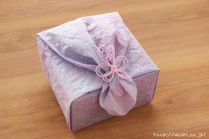 ご祖母様への誕生日プレゼント|和紙の花ボックスフラワー特注品 (ラッピング後)