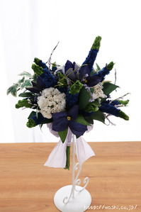 結婚記念日・紙婚式のプレゼント。ベロニカとアイビーの和紙の花束(ペーパーフラワーブーケ)正面
