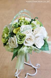白と緑のバラ和紙ブーケ・花束(全体写真)