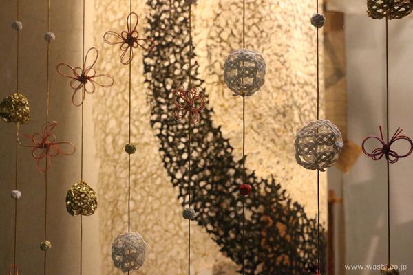 店舗ショールームのディスプレイ・室内装飾として制作した水引オーナメント・つるし飾り