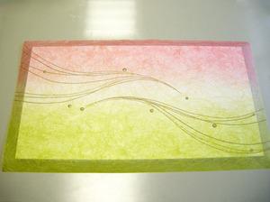 糊を塗ってパネルに合わせた所(ウェルカムボード製作風景)