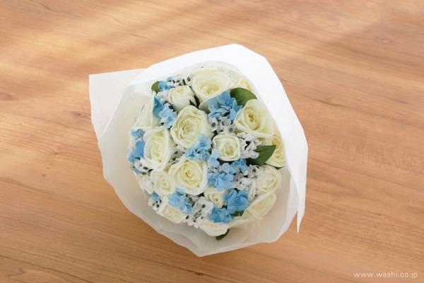 結婚1周年に再現ブーケのプレゼント「白バラと小花の和紙の花束・アニバーサリーブーケ」 (ギフトラッピング)