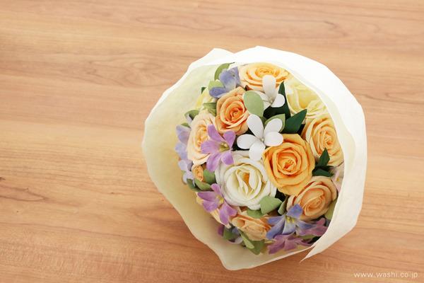 結婚1周年に贈るパステルカラーの和紙製ペーパーフラワー (ギフトラッピング)