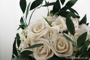 結婚1周年の紙婚式プレゼントに和紙ペーパーフラワーブーケ(ホワイト&グリーン)花部アップ