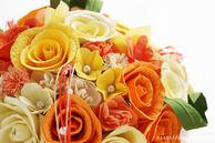 和紙の花(結婚1周年の紙婚式や、プロポーズプレゼントに最適な受注生産品の和紙ラウンドブーケ・花束)イエローオレンジ、アップ