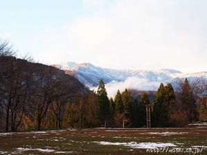 悠久紙(五箇山和紙)楮蒸し・楮はぎ(うっすら雪景色の五箇山)