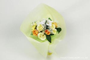 黄色いバラの和紙ブーケ・花束(正面)