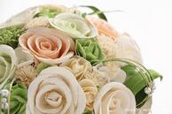 和紙の花(結婚1周年の紙婚式や、プロポーズプレゼントに最適な受注生産品の和紙ラウンドブーケ・花束)ホワイト、アップ