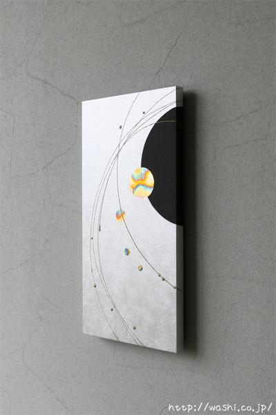 壁を彩るスタイリッシュな和紙アートパネル-和モダンインテリア (斜めアングル)