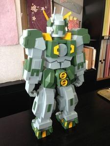 作りこまれています。紙製ロボット