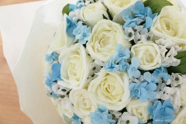 結婚1周年に再現ブーケのプレゼント「白バラと小花の和紙の花束・アニバーサリーブーケ」 (花部アップ)