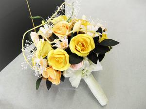 黄色基調の可愛らしい和紙ブーケ・花束に仕上がりました(結婚1周年の紙婚式プレゼント)