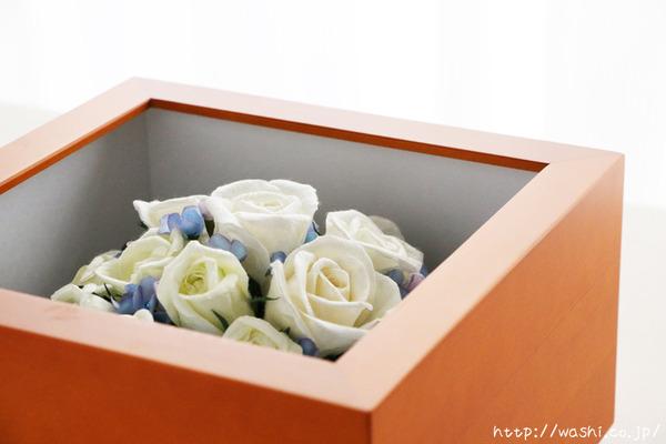 和紙の花ペーパーフラワーで、痛んだ結婚式のプリザーブドフラワーを元の美しい姿に再現。3Dフレーム・立体額 (ケース内部仕様)