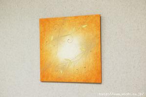 オレンジ色とツル系デザインの組み合わせた和紙アートパネル
