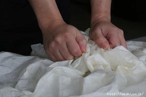 結婚1周年(紙婚式)プレゼントにオススメの和紙の花ボックスフラワー (制作風景)