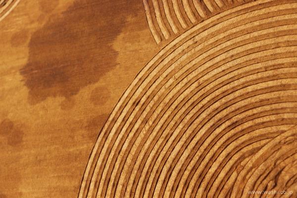 漆と珪藻土の櫛引デザイン和紙アートパネル (デザイン部分アップ)