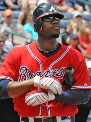 4-Heyward-adjust-gloves