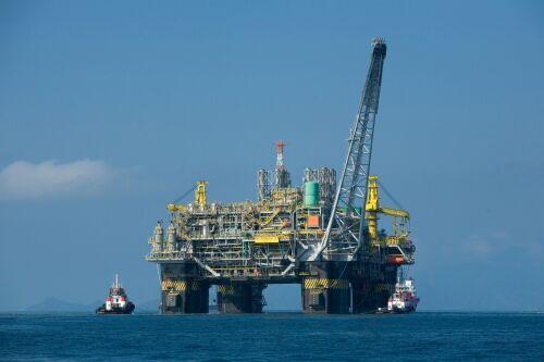 Oil_platform_P-51_(Brazil) (1)
