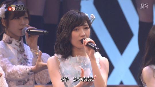 AKB紅白_渡辺麻友35