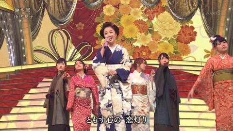 紅白歌合戦での男装した渡辺麻友10