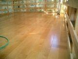 松前の家-床張り作業