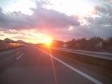 高速の夕日