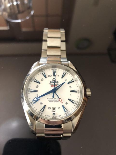 念願の腕時計購入した