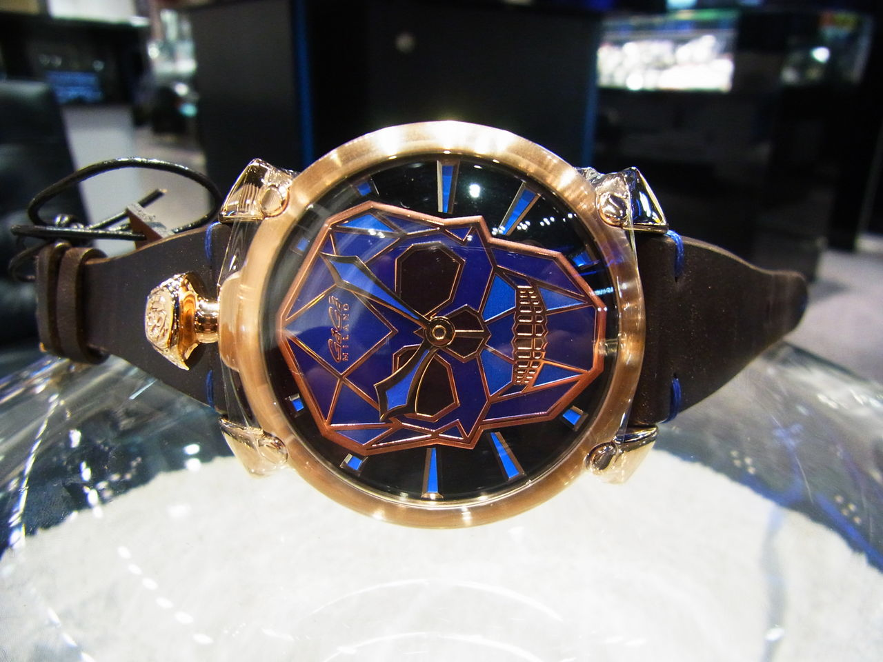 3a91bad617 時計は、MANUALE THIN 48mm 5061.01S(青スカル文字盤ケースPG)と 5062.02S(黒スカル文字盤ケースブラックPVD)です。...  【GaGa MILANO】