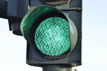 traffic-light-876061_1920_R