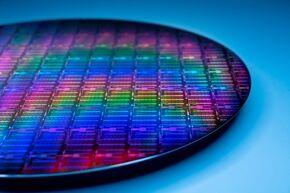 Intel_Engineering_wafer_03
