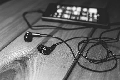 earphones-791188_960_720