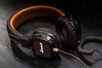headphone-3085681_1920_R