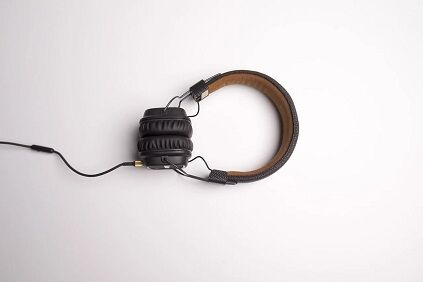 headphone-1868612_1280