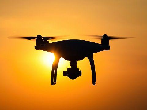 Drone-TA-674480931
