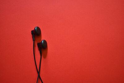 earphone-2639487_1280