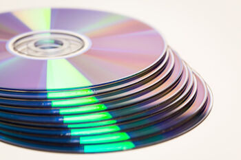 dvd-2418366_1920
