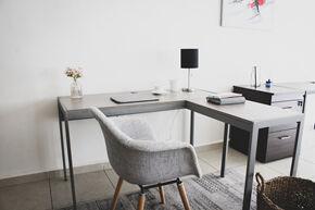 workplace-5517744_1920