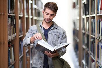 student-3500990_1920