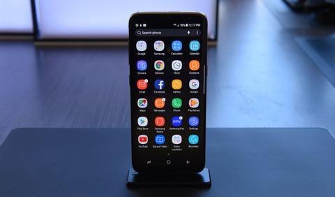 samsung-galaxy-s8-phone-display