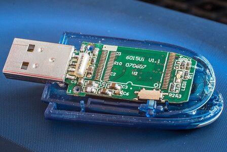 usb-stick-1396811_1280