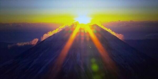 初日の出富士山 (1)