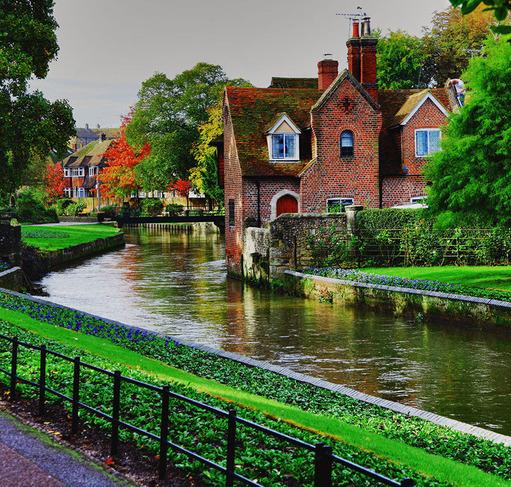 travel-guide-canterbury-england-7[1]