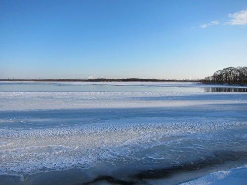 結氷した湖