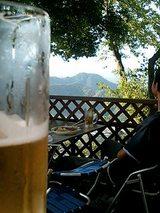 山とビール