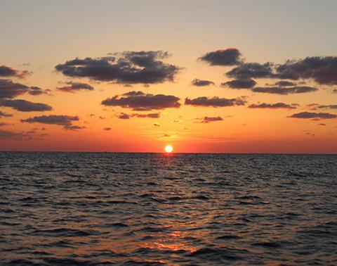 ローソク島遊覧船3